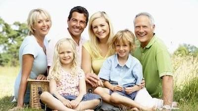 family having a picnic outdoors | Dentist in charlestown nsw